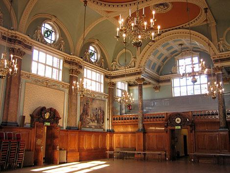 Chelsea_Town_Hall_inside.jpg