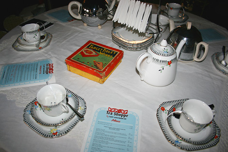 Tea_shoppe_30s-table.jpg