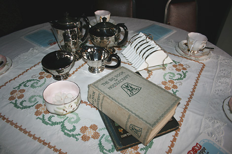 Tea_shoppe_40s-table.jpg