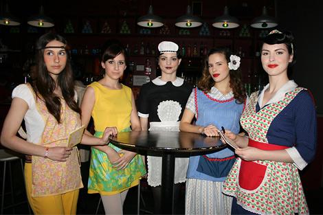 Tea_shoppe_waitresses.jpg