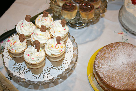 teashoppe_ice_crm_cupcakes.jpg